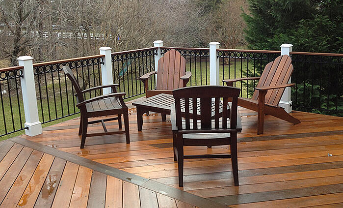 Pressure_treated_wood_deck_in_Virginia