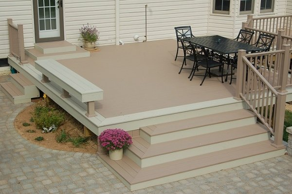 brownstone Azek deck in Gaithersburg, MD