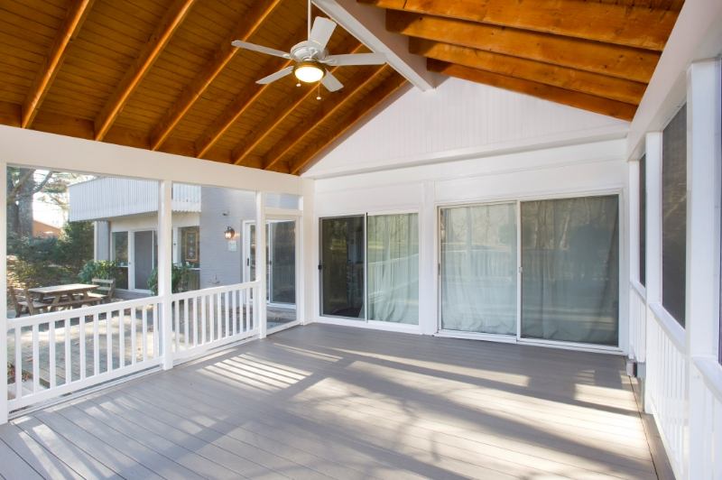 screened porch Potomac, Maryland with AZEK and SCREENEZE interior photo