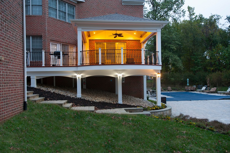 Zuri decking Bowie, Maryland high end retractable screen porch illuminated side view