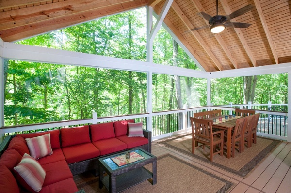 AZEK screen porch with Deckorators Classic Balusters and SCREENEZE in Darnestown, Maryland