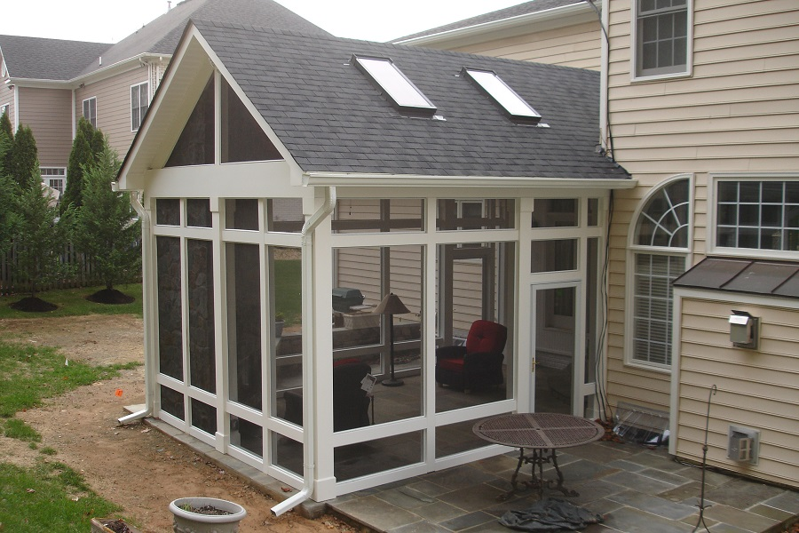 white-screeneze-screened-porch-potomac-md-exterior