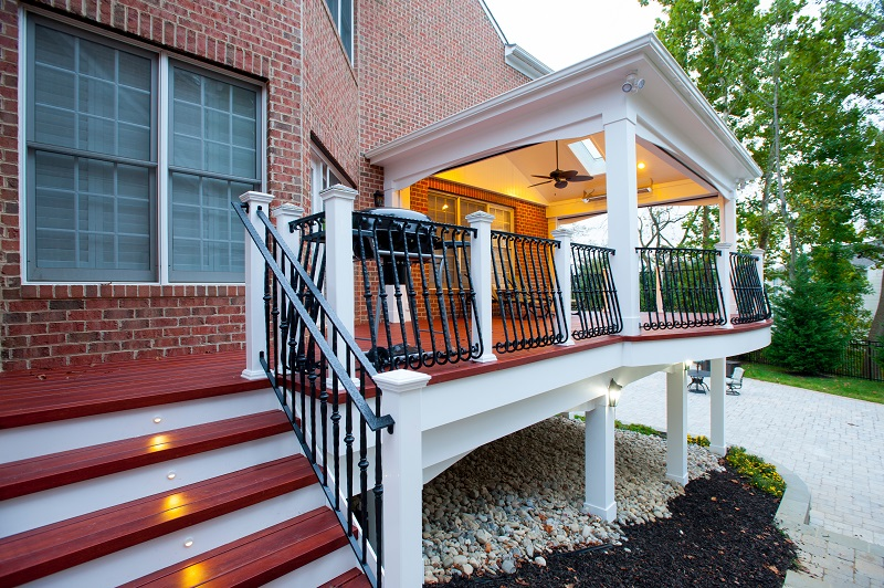 How much does a screened porch cost compared to a deck for Cost to build a house in maryland