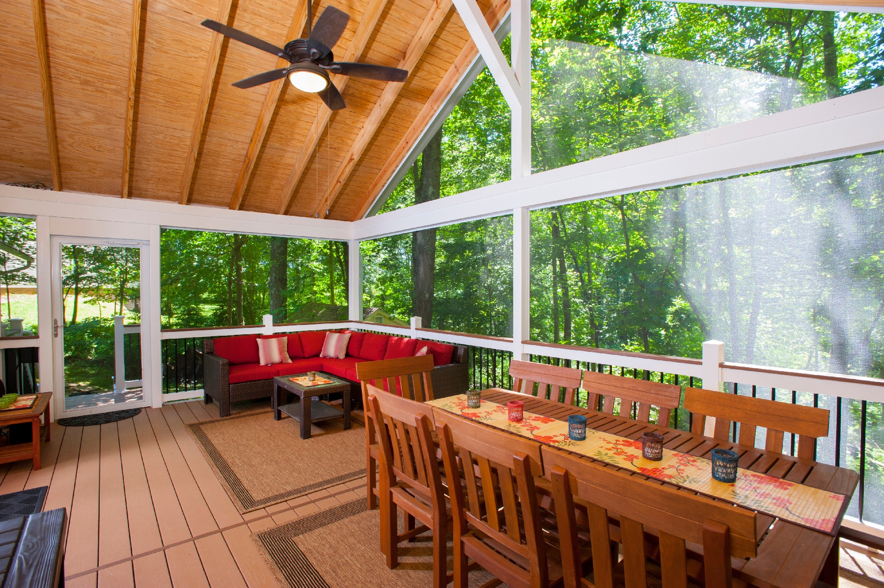 bug-proofed screen room design in potomac, maryland