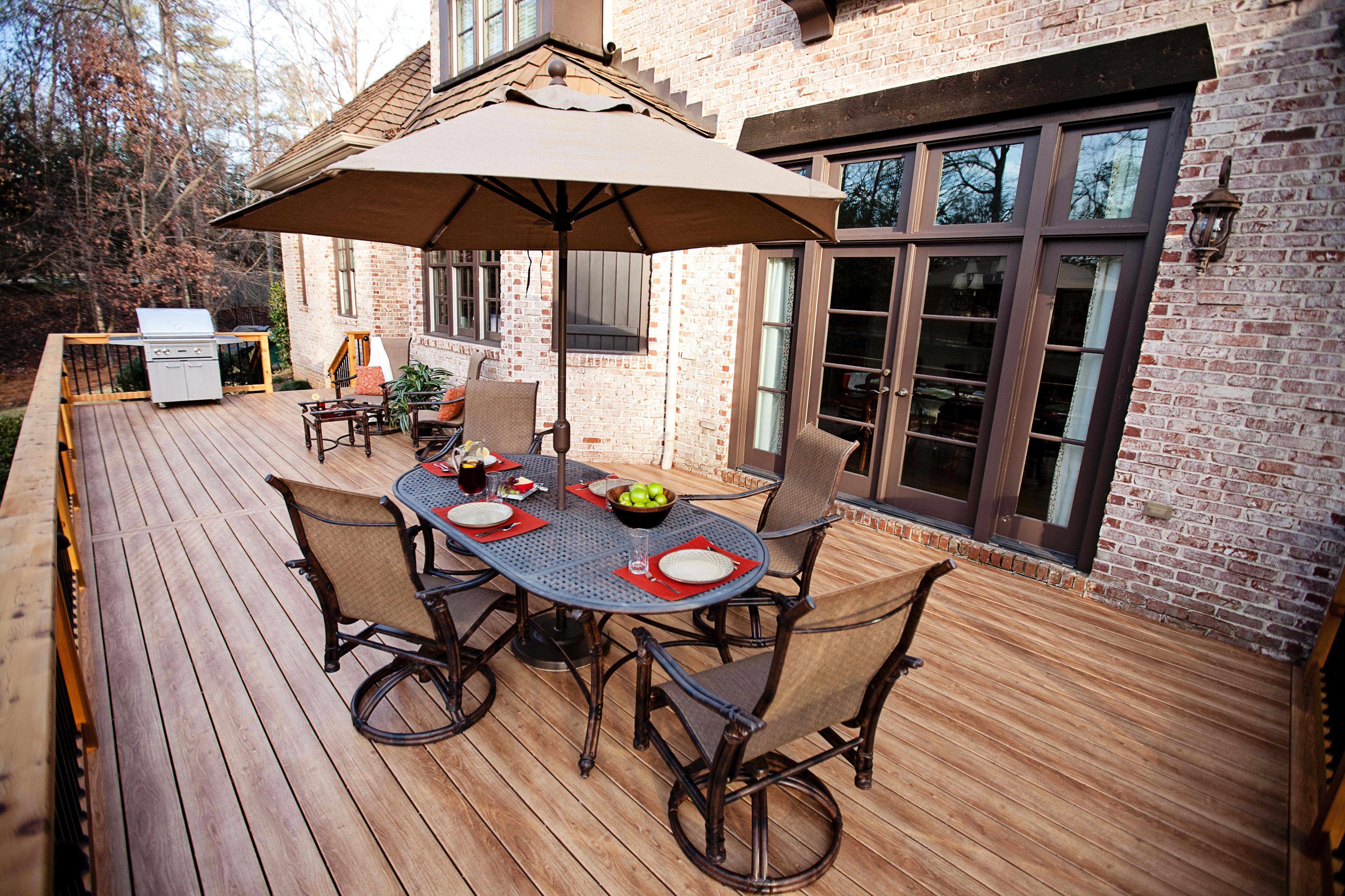 zuri deck with furniture