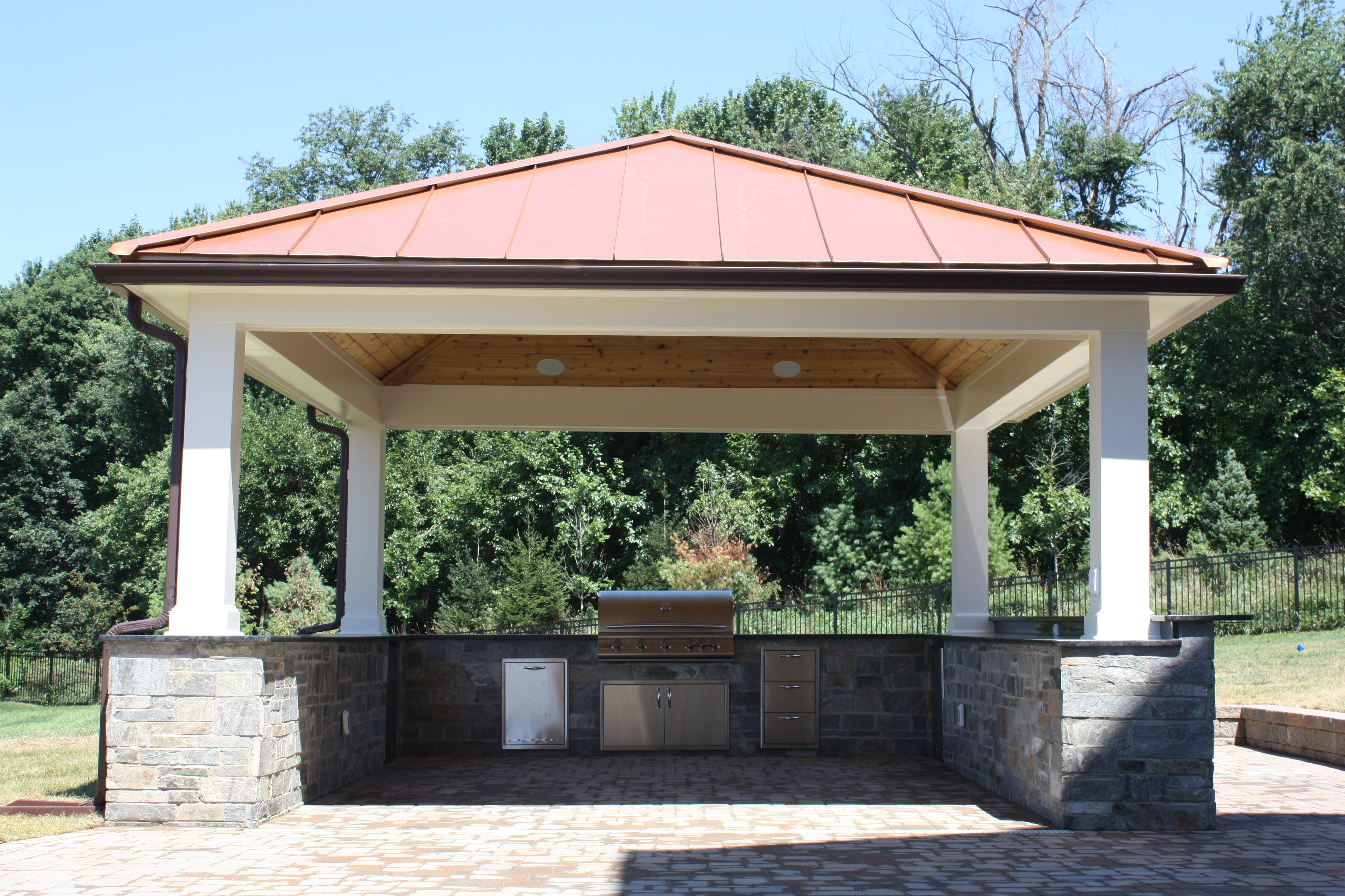 covered patio backyard kitchen in Fulton, Maryland