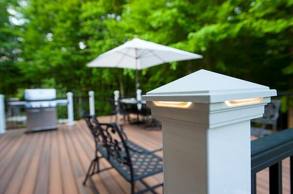 fiberon deck in virginia with black deckorators balusters and hidden deck fasteners (5)