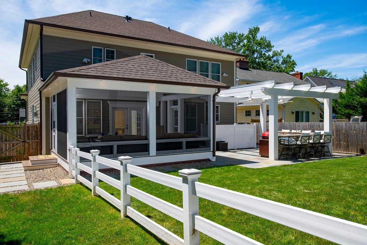 screened-in porch with electrical