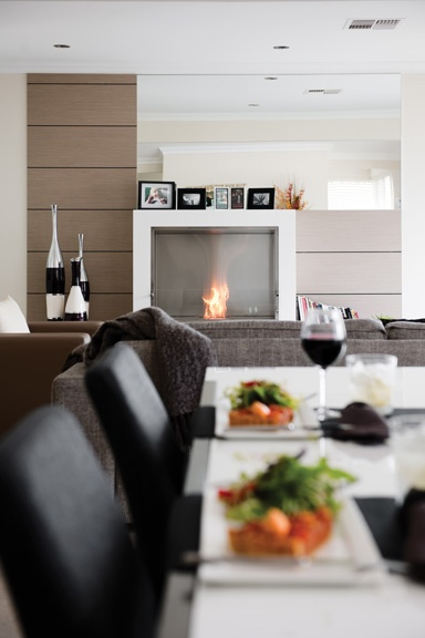 EcoSmart Aspect indoor fireplace. Photo credits to EcoSmart Fire