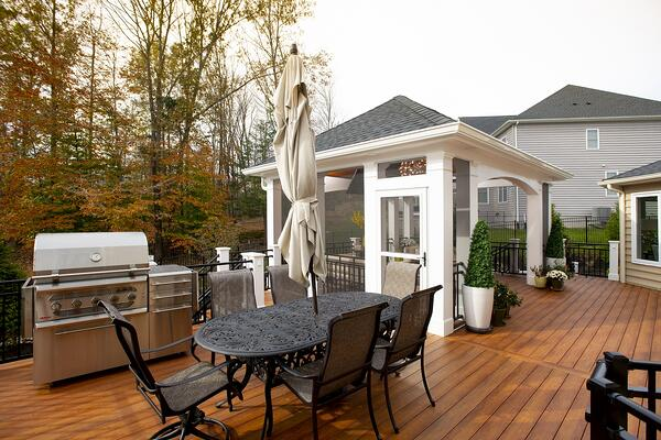 performance zuri deck for grilling and entertaining in bowie, maryland with a retractable screen room