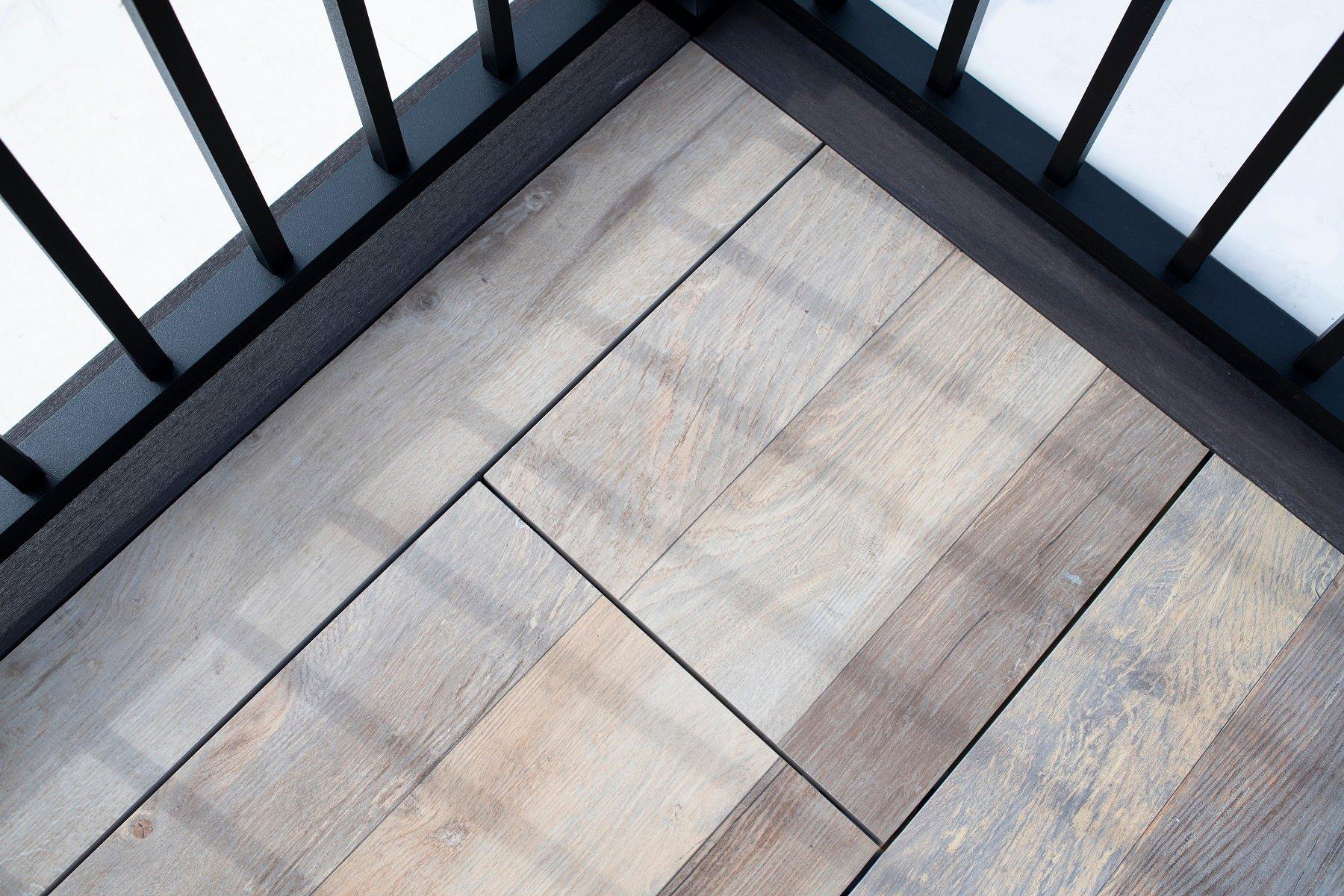 logans-circle-archatrak-porcelain-deck-tiles-detail (1)