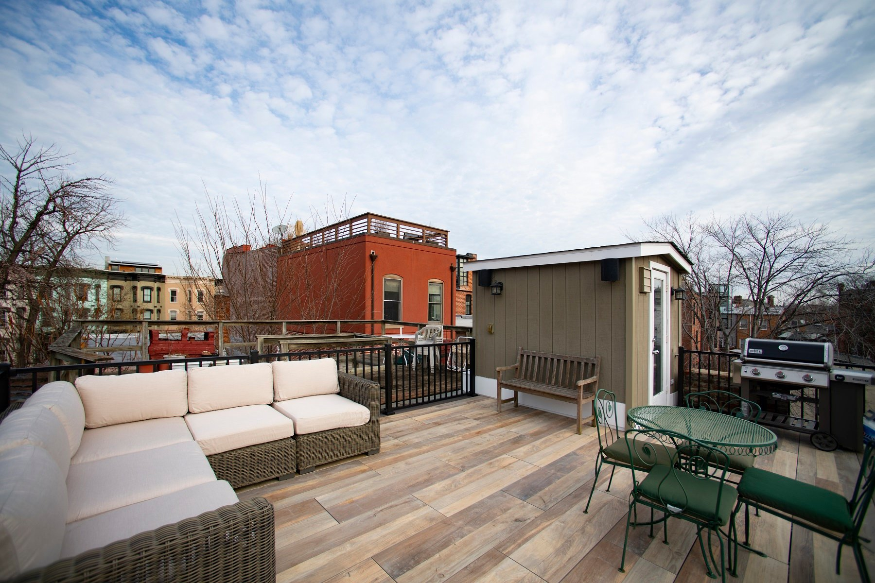 logans-circle-rooftop-deck-with-archatrak-deck-tiles (2)