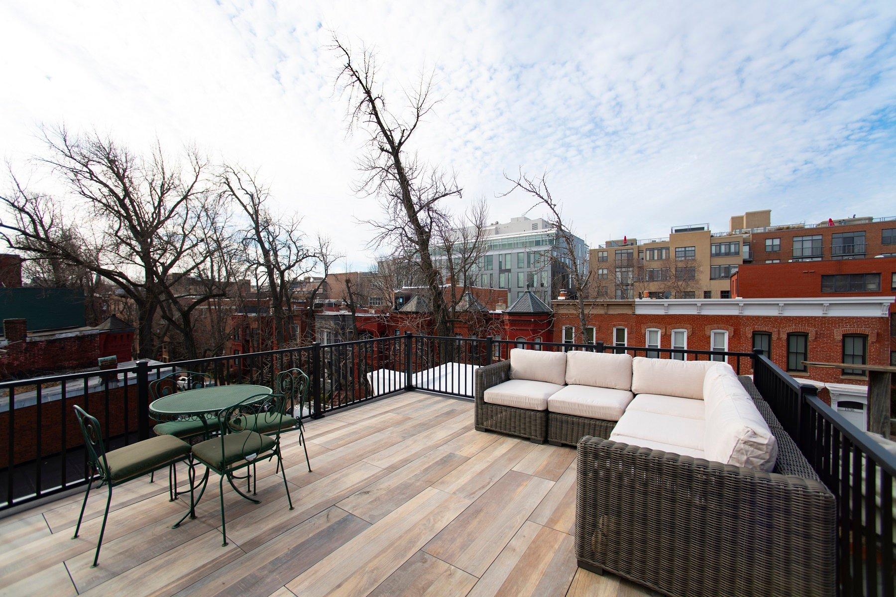 logans-circle-rooftop-deck-with-archatrak-deck-tiles (3)