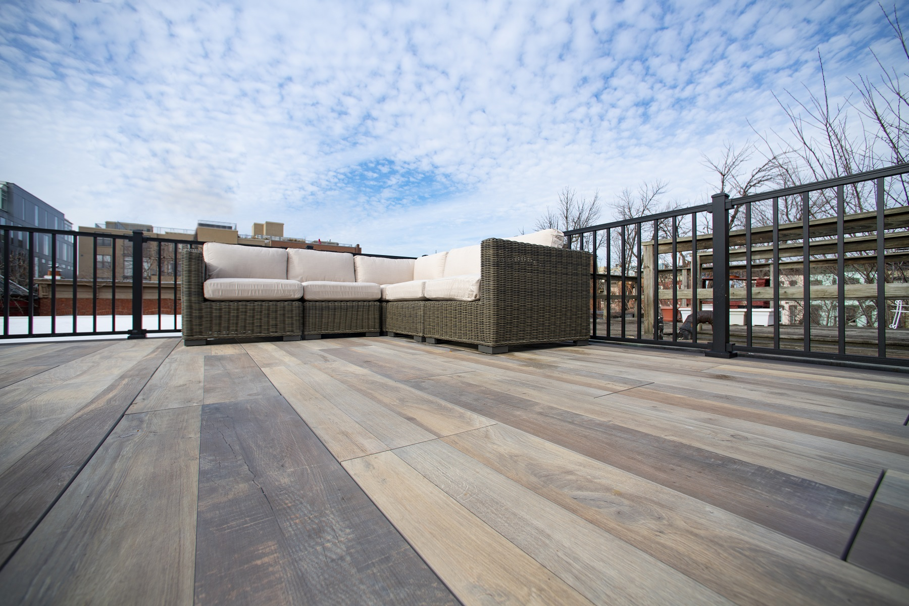 logans-circle-rooftop-deck-with-archatrak-deck-tiles (6)