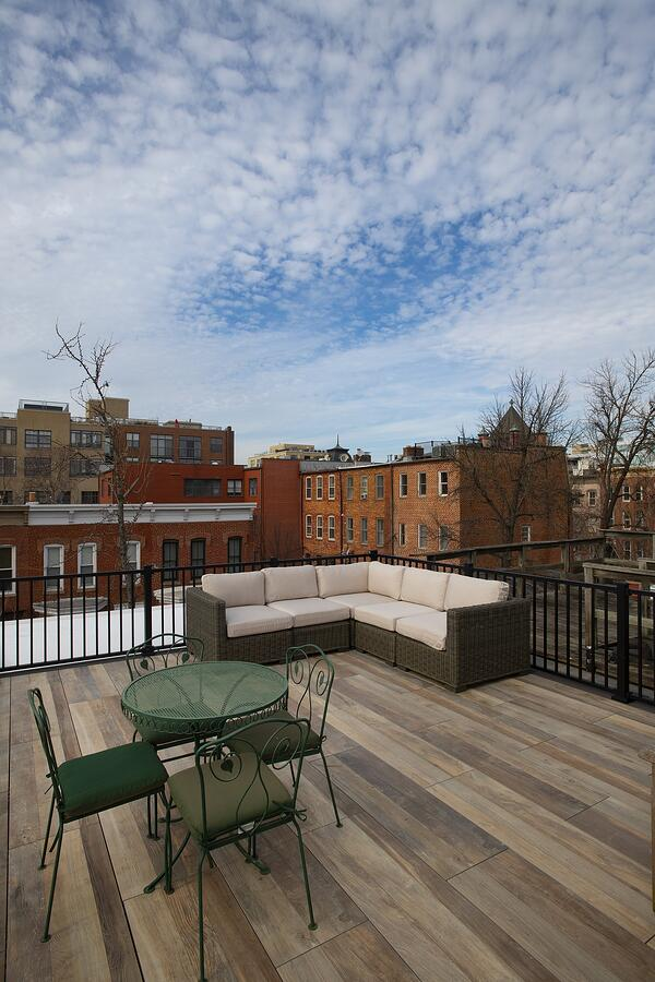 logans-circle-rooftop-deck-with-archatrak-deck-tiles-vertical (2)