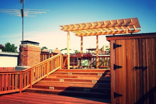 rooftop deck design with low-maintenance wolf decking