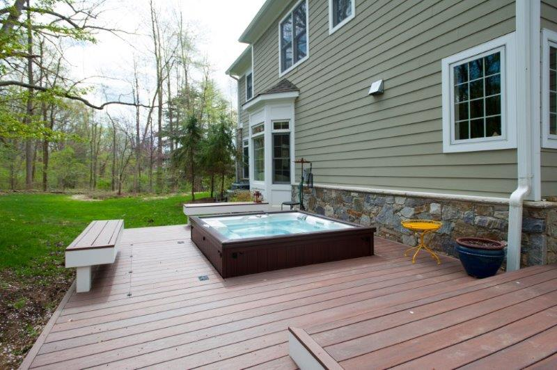 custom hot tub deck outside