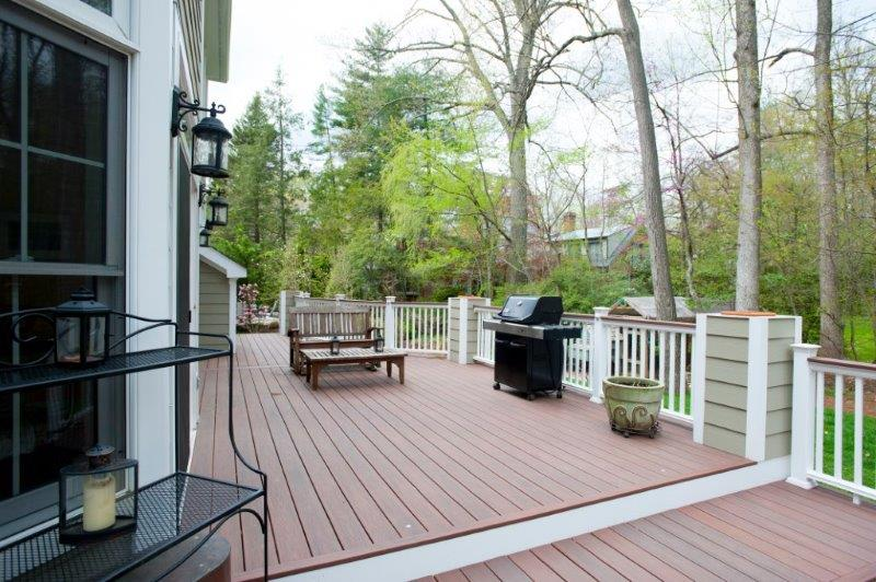 unique WOLF deck with planters and barbecue