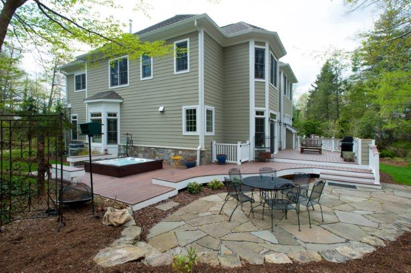 curved WOLF ASA decki and flagstone patio in Maryland