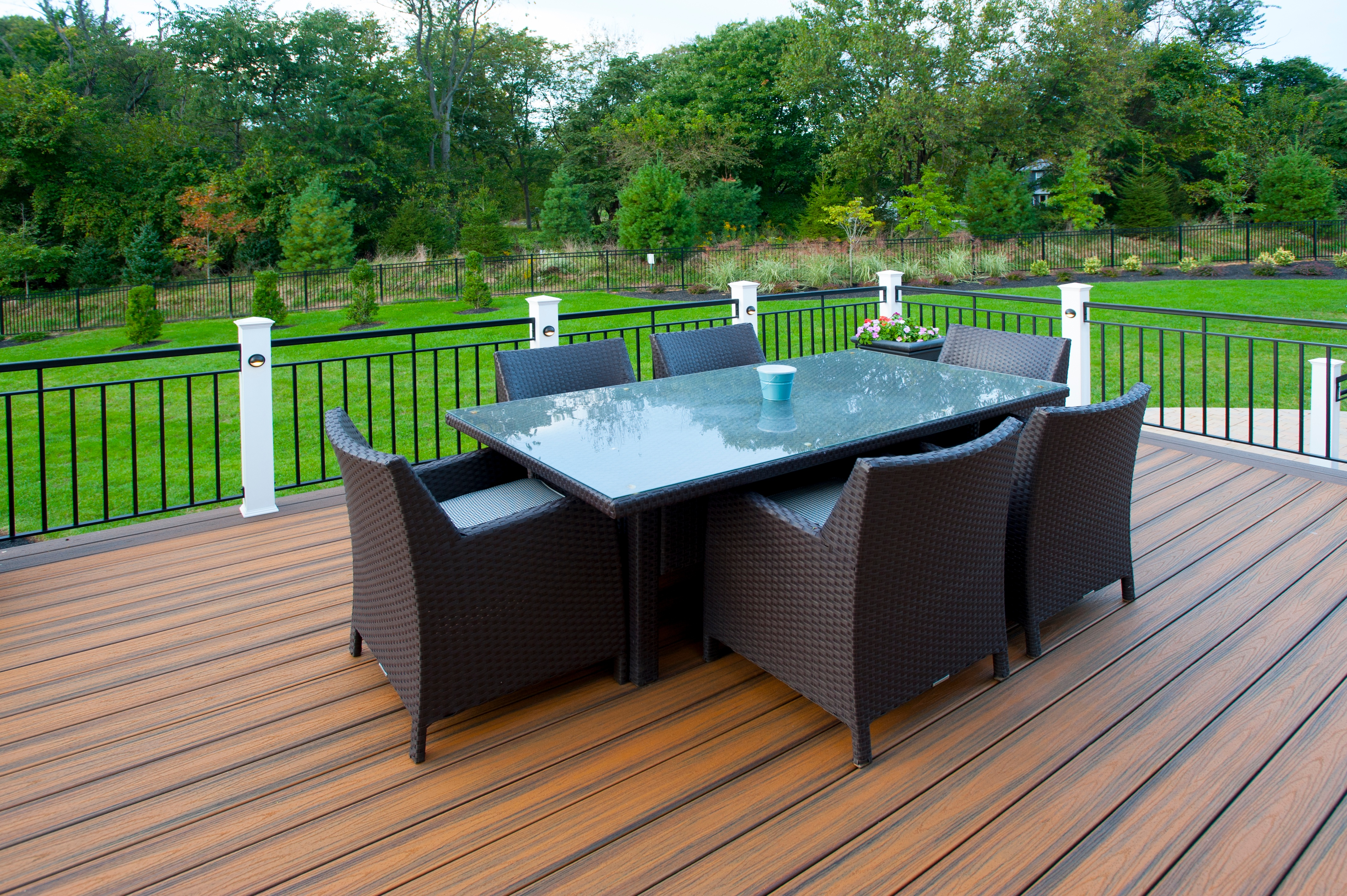 trex deck in maryland with outdoor furniture
