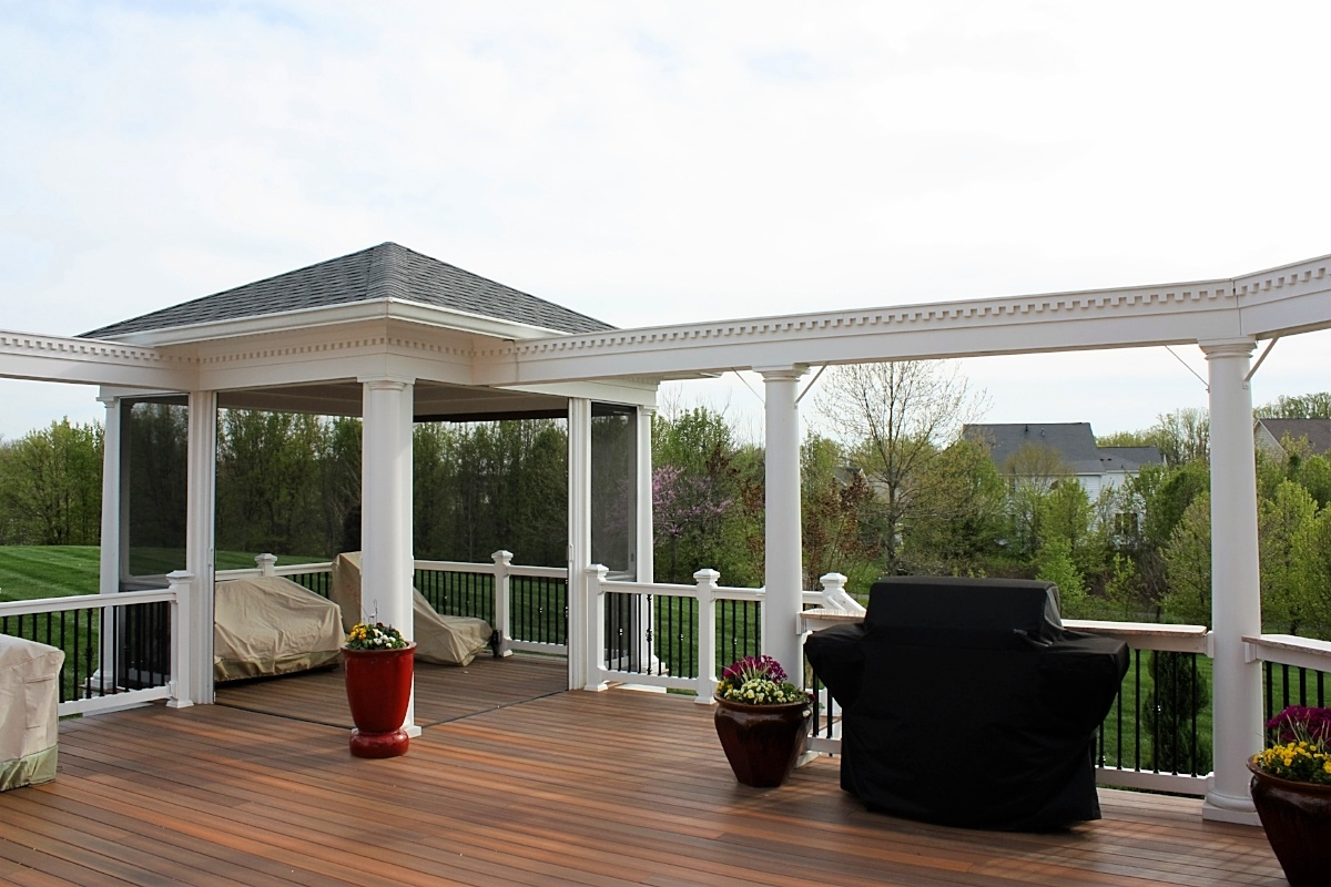 Fiberon Deck With Screen Room In Prince George S County