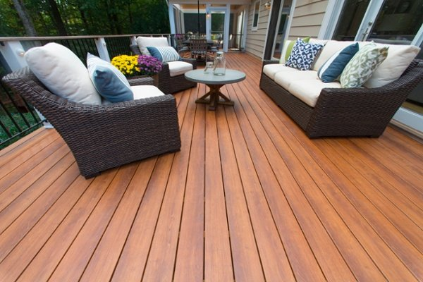zuri_deck_and_hardwood_screened_porch (14)