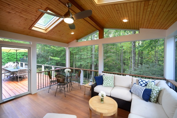 zuri_deck_and_hardwood_screened_porch (7)