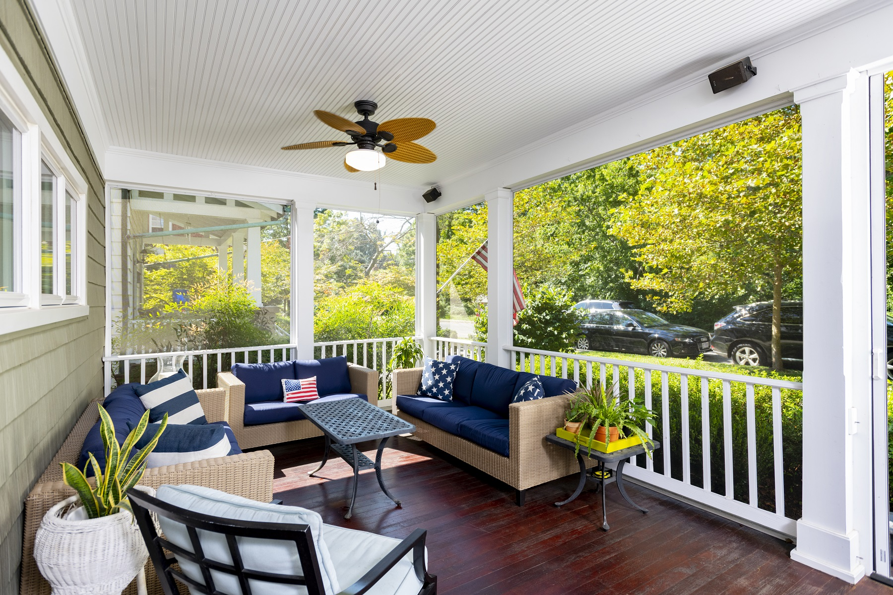 screened_in_front_porch_with_retractable_screen_doors_washington_dc (6)